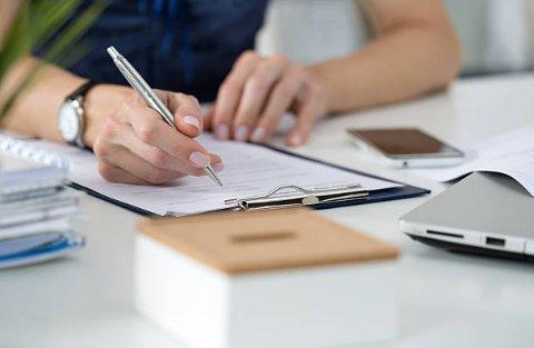 договор на оказание посреднических услуг по продаже квартиры с аукциона