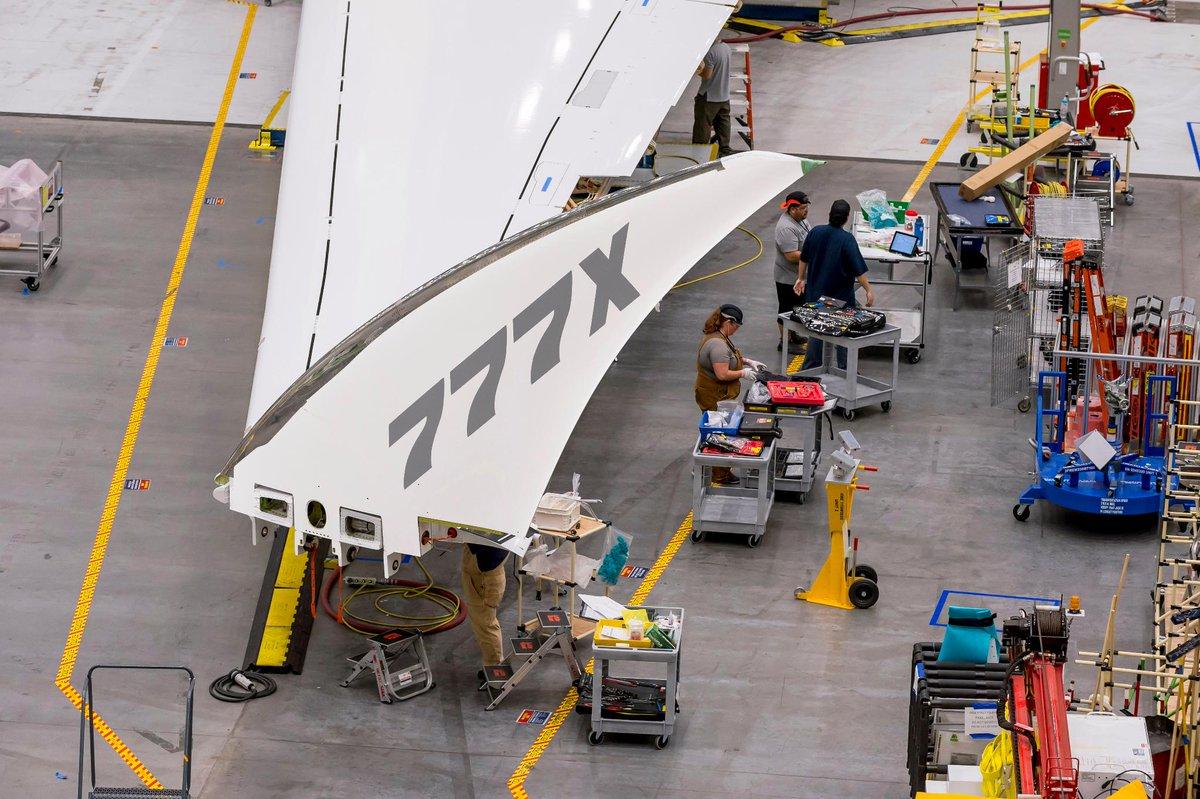 Resultado de imagen para Boeing 777X wingtip
