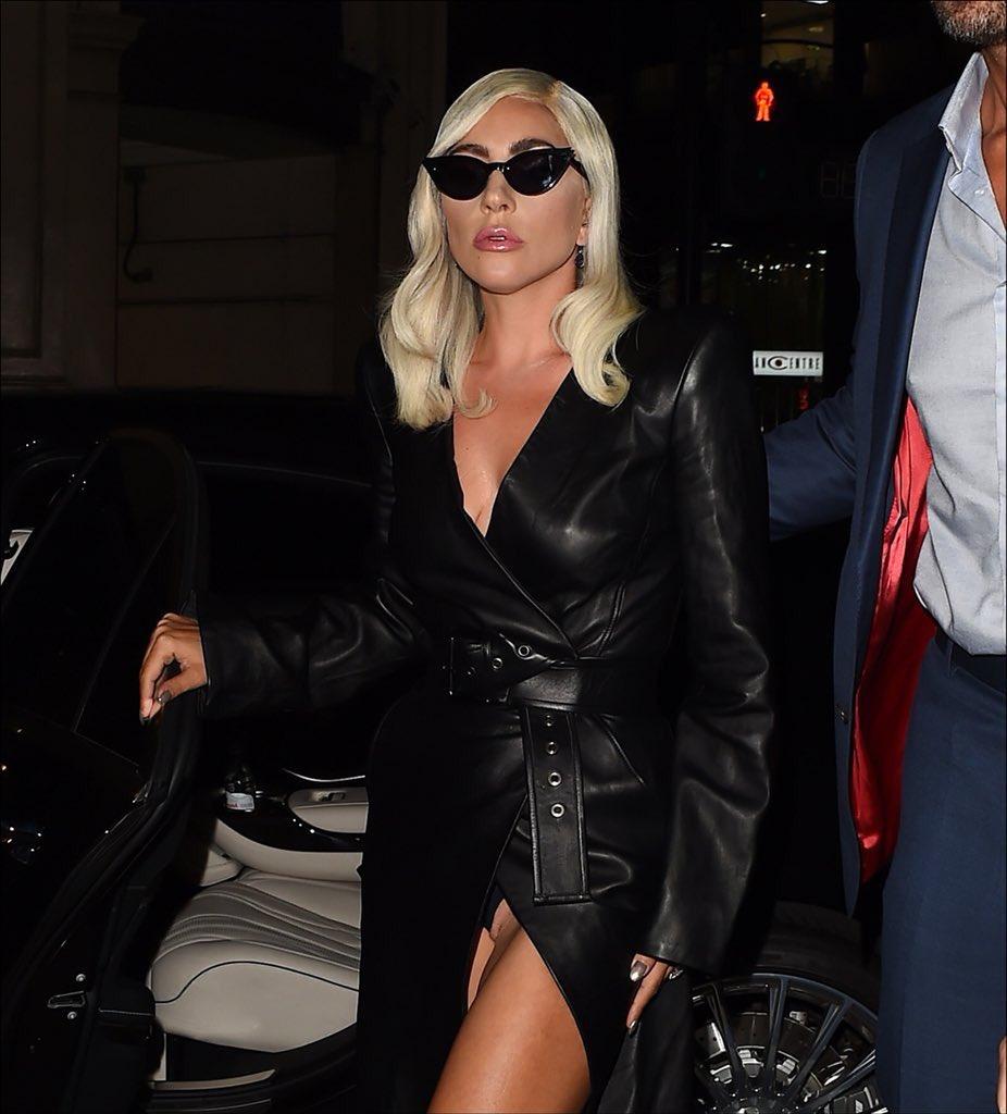 Lady Gaga Facts on Twitter: Lady Gaga casually flashing
