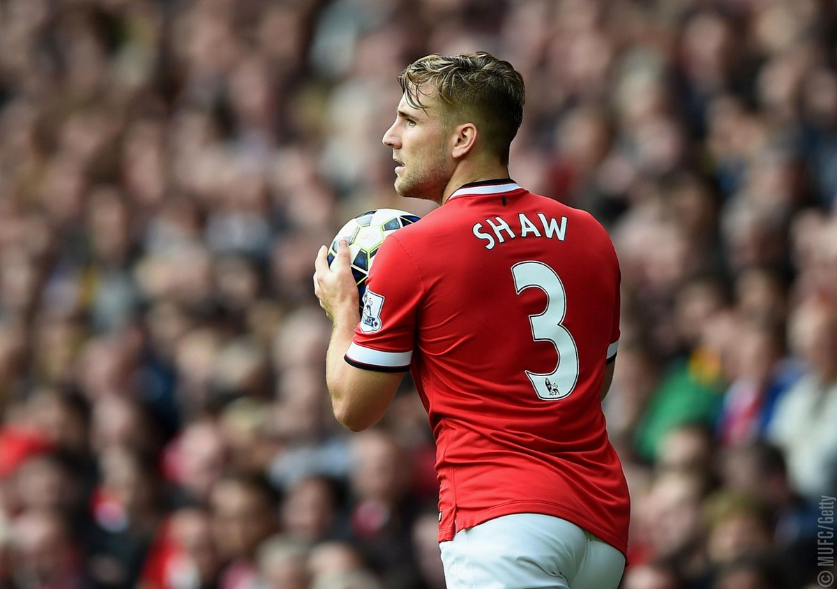 .@LukeShaw23 made his #MUFC debut four years ago today. 🔴  #OnThisDay
