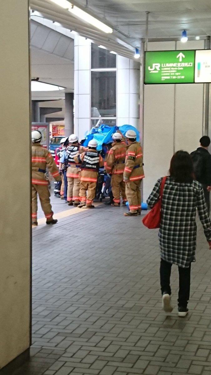 大宮駅で電車と人が接触した人身事故現場の画像