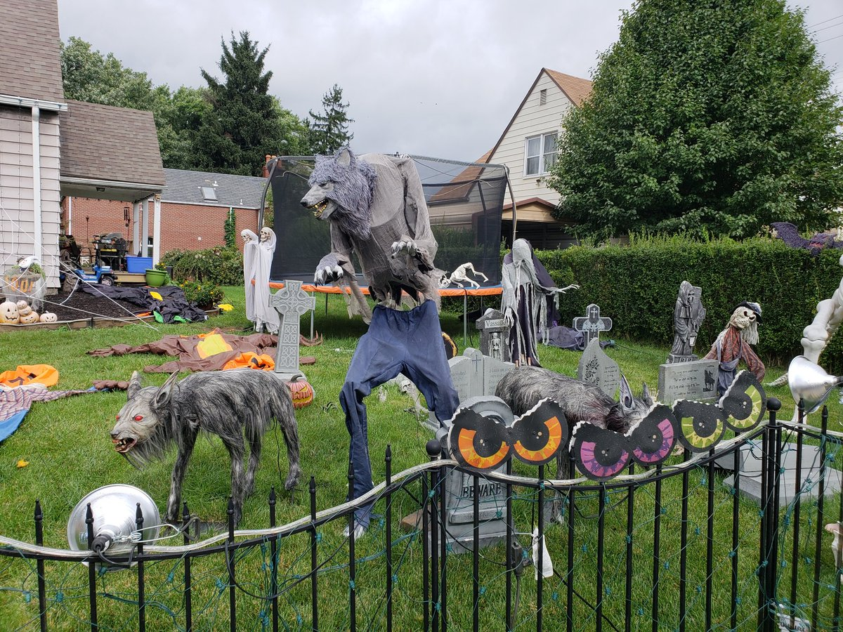"""Sean Mcdowell on Twitter """"There s Halloween decorations"""