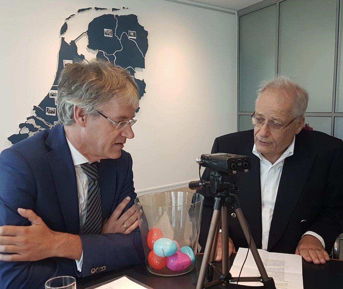 Vanochtend voor mijn wekelijkse Slobcast een boeiend gesprek gehad met Wim Deetman. In het kader van 100-jaar @MinOCW teruggeblikt op zijn tijd als minister. Morgen zal gesprek op Facebook geplaatst worden.