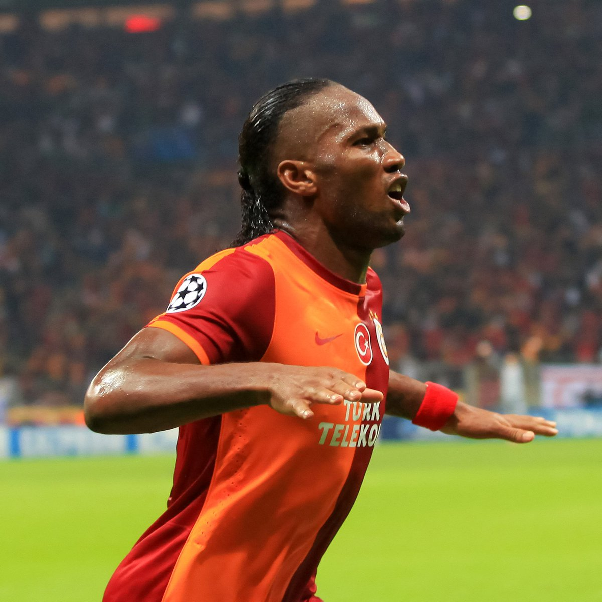 💛 Didier Drogba ❤️  #UCL #ThrowbackThursday