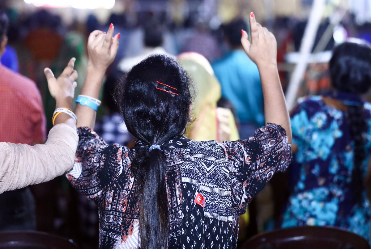 RAISE YOUR HANDS TO LORD AND WORSHIP HIS HOLY NAME. STAY CONNECTED FOR THE  SERVICE UPDATES. BY:- CHURCH MEDIA TEAMpic.twitter.com/Ac5icrrEdf