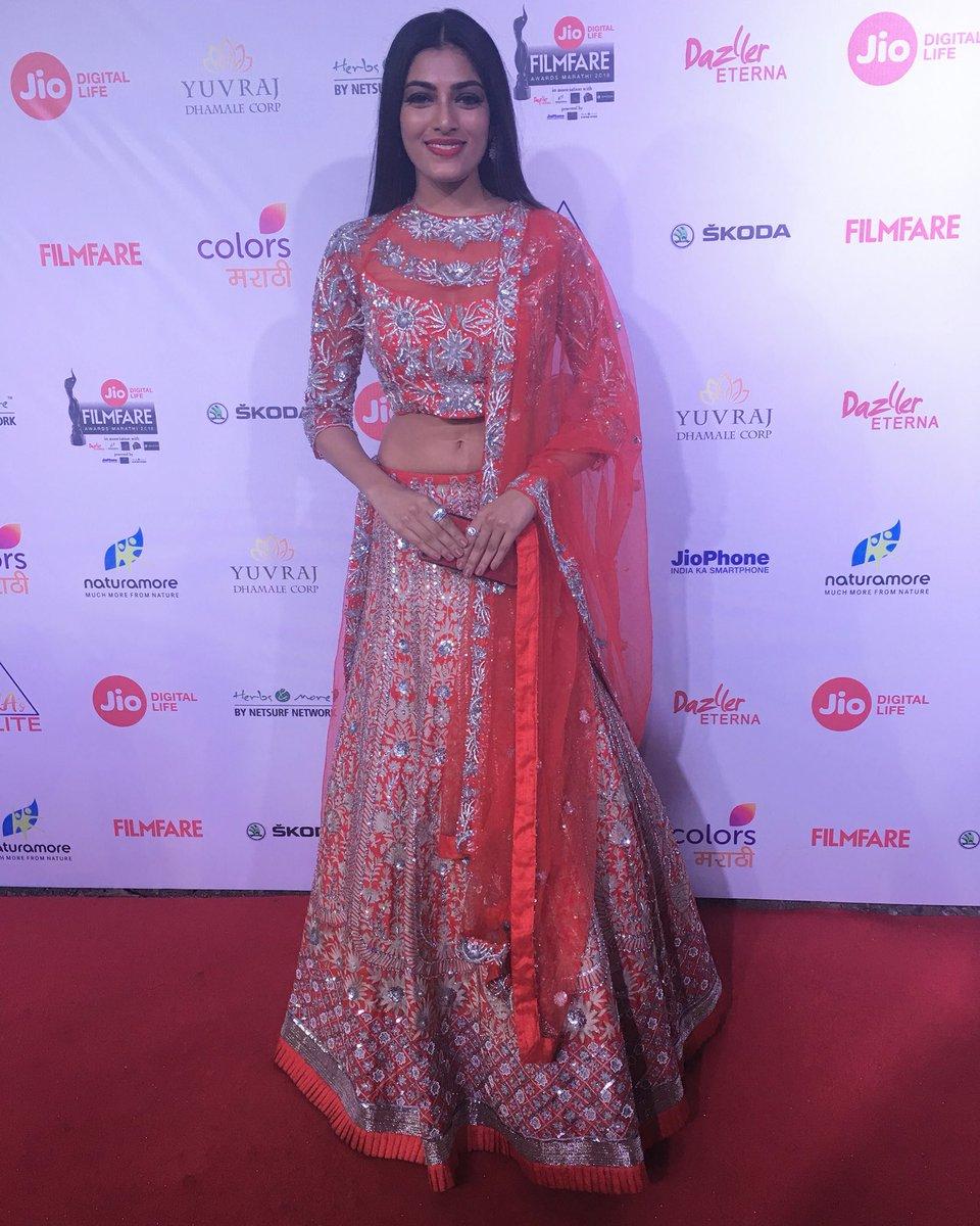 Naveli Deshmukh, marathi, actress, images, pics, photos, filfare awards 2018