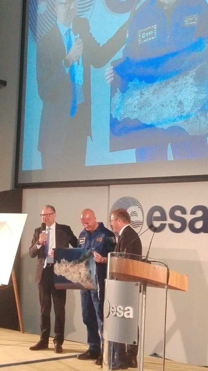 Nice celebration today at #ESRIN50, with @astro_luca! https://t.co/oWEzJe1Czp