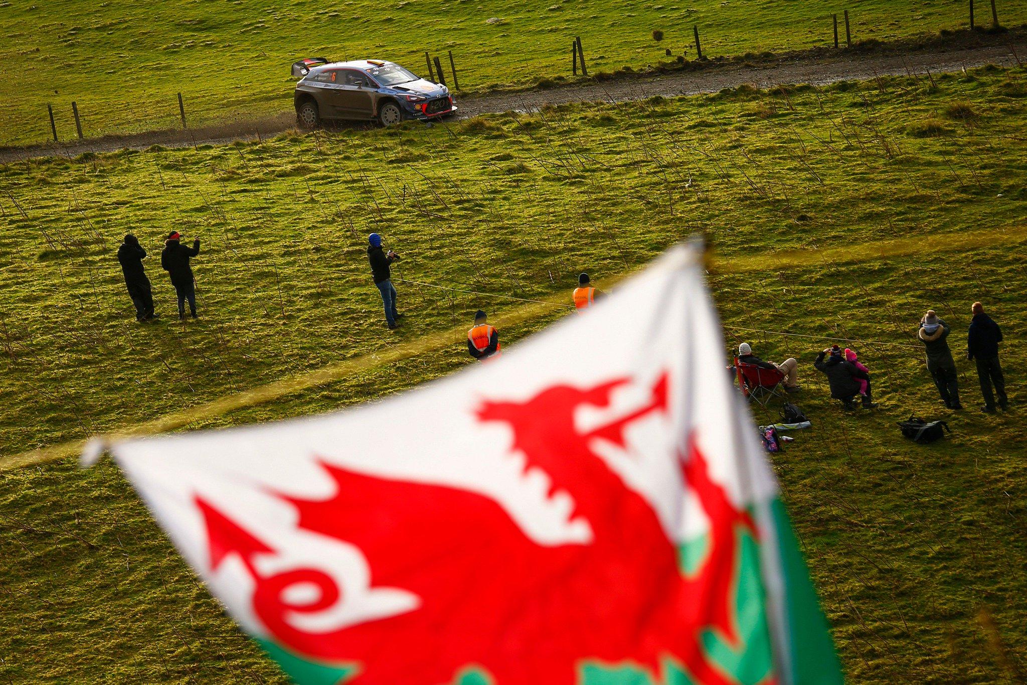 Rally Gales 2018 DoKpp5BX0AA1K5A