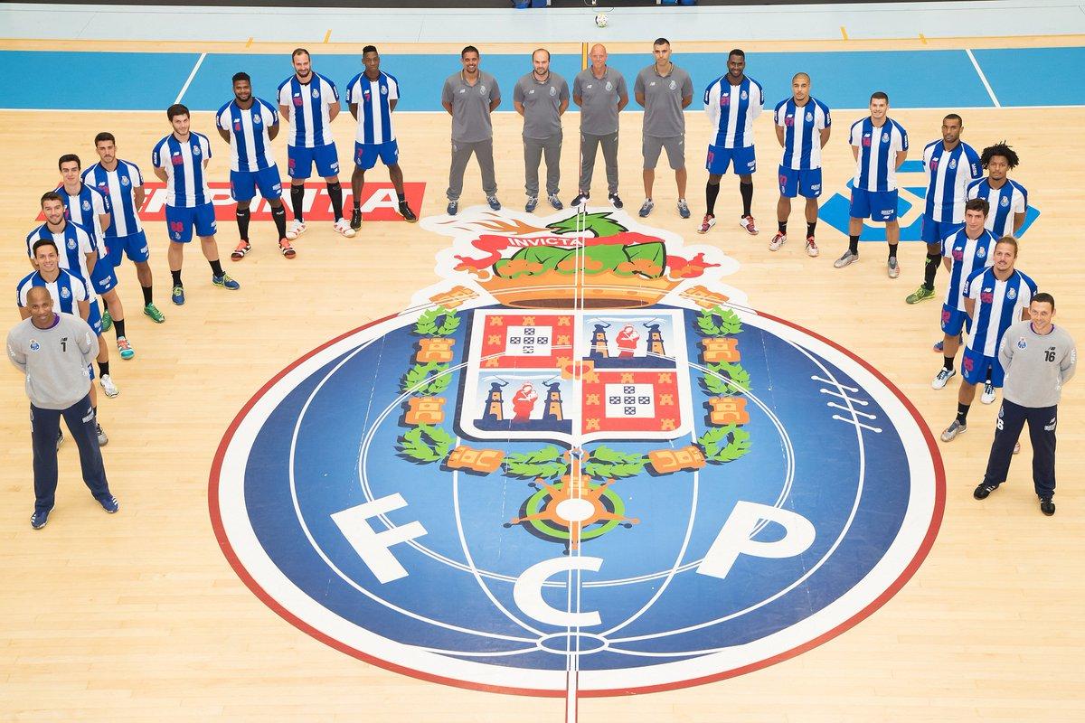 X  ➡Xadrez. O FC Porto destacou-se e foi campeão em vários desportos: Andebol, Basquetebol, Hóquei em patins, Ciclismo, Natação, Bilhar, Boxe, Voleibol, Hóquei em Campo e, até, o Xadrez. #FCPorto #FCPorto125   125
