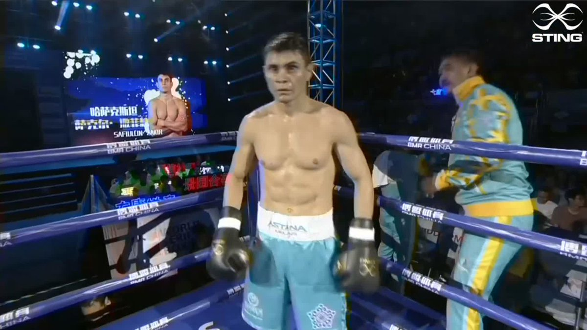 Lazaro Alvarez Estrada and Zakir Safiullin are in the ring ahead of the second bout at Light Weight. It's 3-3, who will take the very important lead?  #WSB8 #Boxing https://t.co/o4jOrnIHID