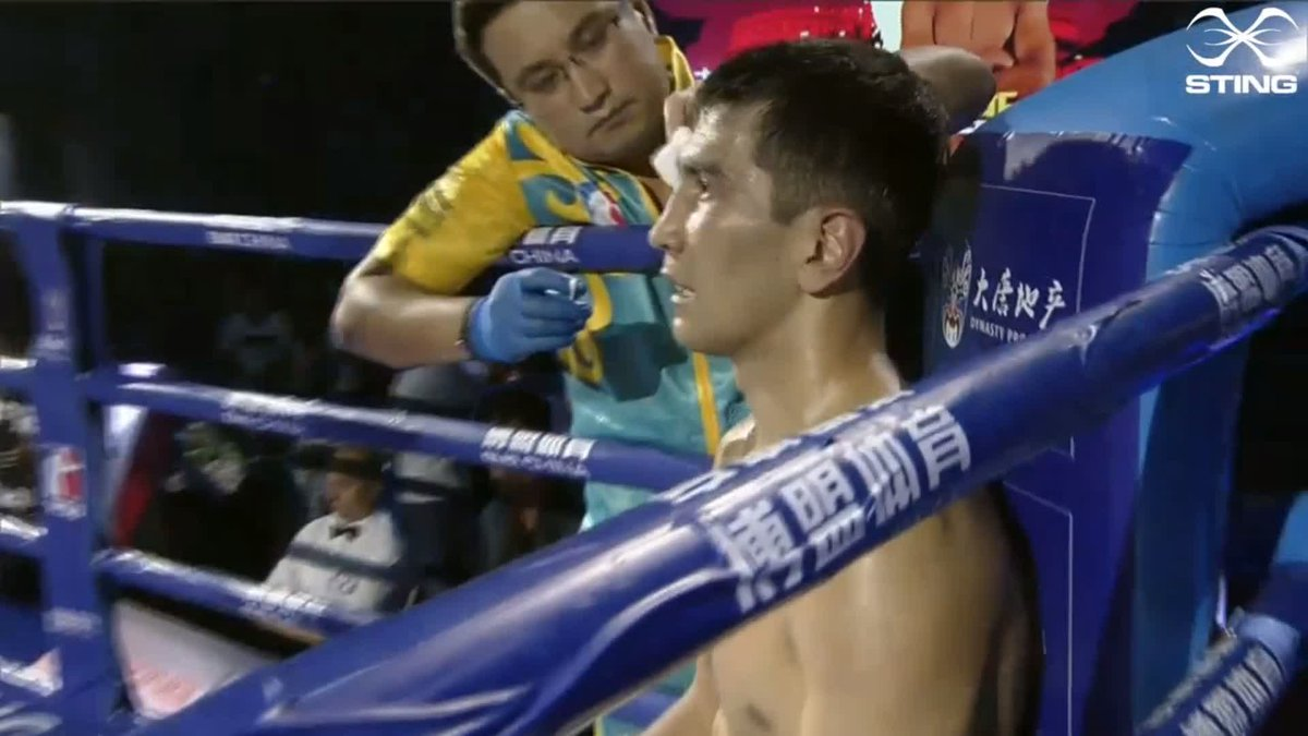 We've got another close contest here between Roniel Iglesias of the @DomadoresCuba and Aslanbek Shymbergenov of the @astana_arlans. Here's the best of the action from round 3.  #WSB8 #Boxing https://t.co/PaLHmr1oo9