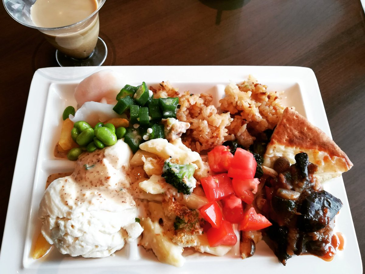 #Lunch with all-you-can-eat #buffet, $15. #tofu #Japan https://t.co/WeqUKTckD6