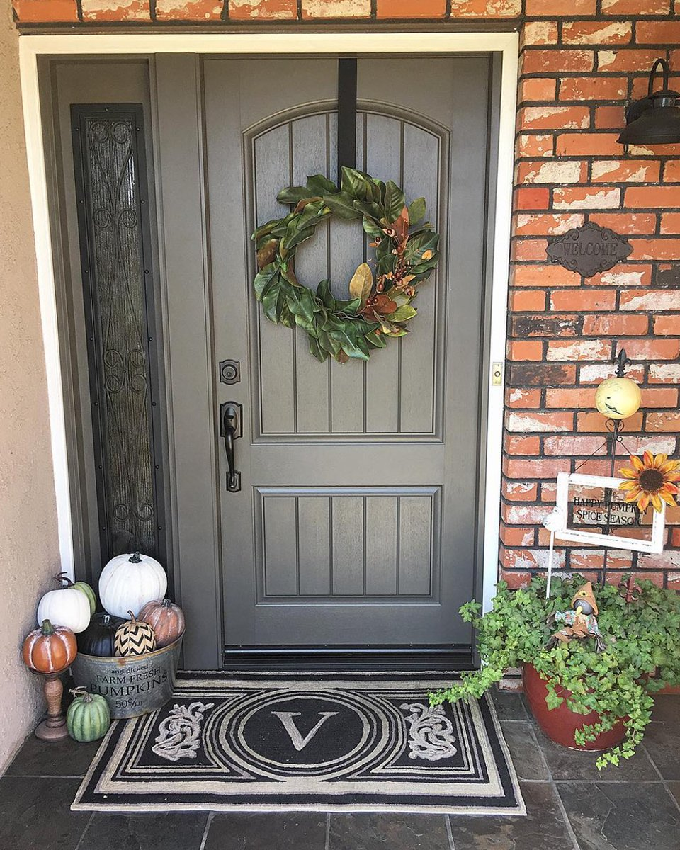 Sherwin Williams On Twitter Urbane Bronze Sw 7048 Is Always A Great Choice For A Bold Front Porch Swcolorlove Ig Ourcozycasa Est 02