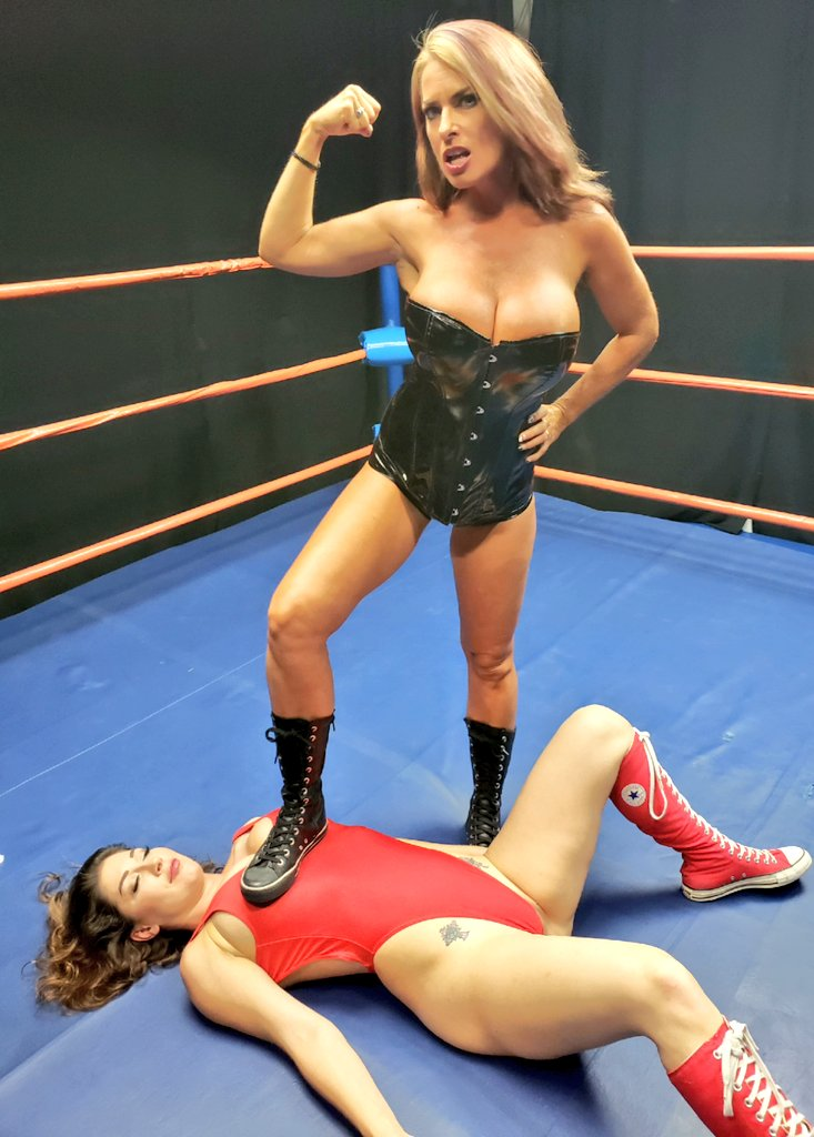 Escort and wrestler stormee knights