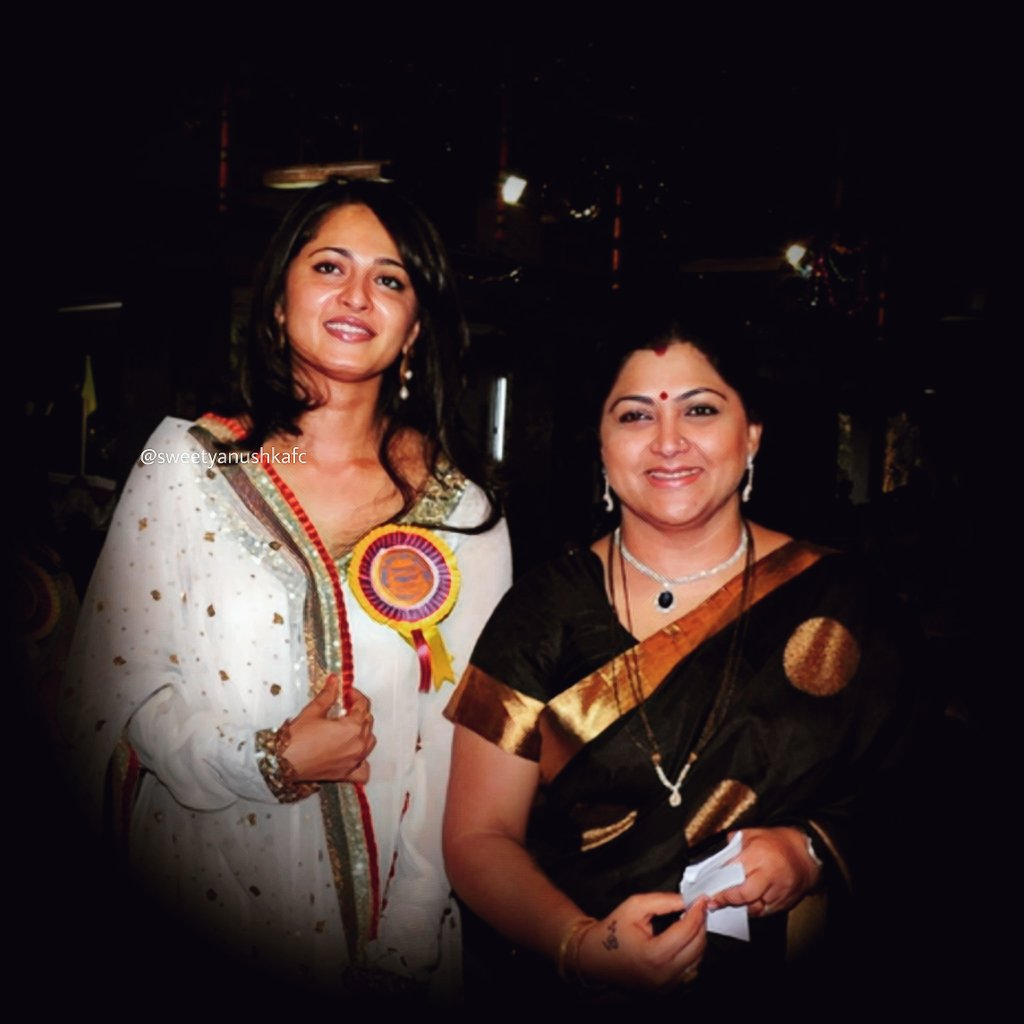 Wishing our gorgeous @khushsundar Mam a very happy birthday and a great year ahead on behalf of all Sweety #AnushkaShetty fans! 🎂❤️💐 #HBDKhushbuSundar
