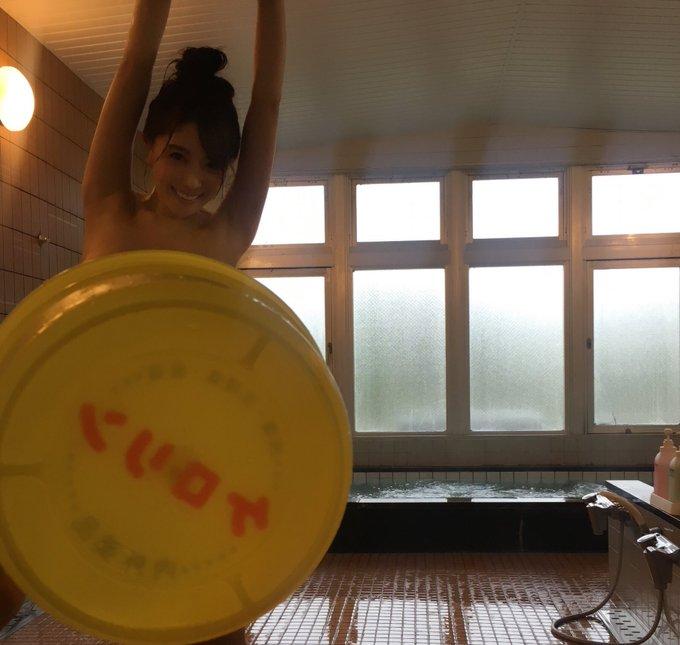 グラビアアイドル森咲智美のTwitter自撮りエロ画像37