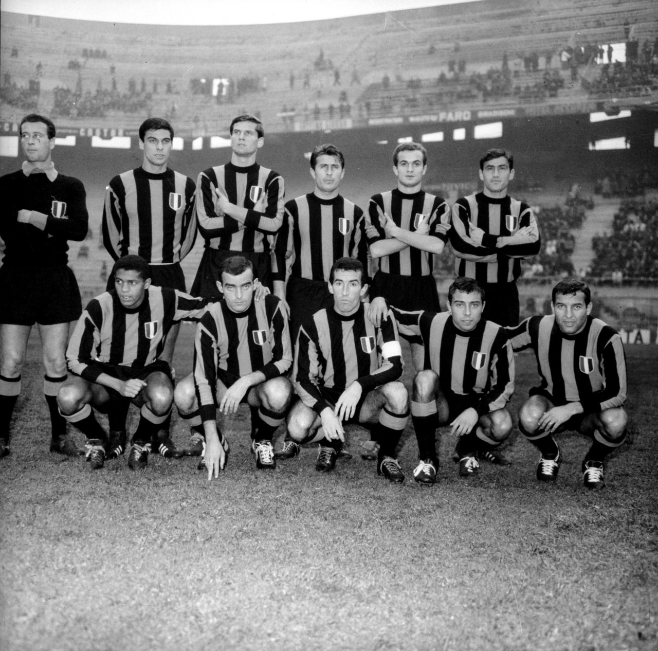 FOTOS HISTORICAS O CHULAS  DE FUTBOL - Página 20 DoPtBcoW0AYxBRT