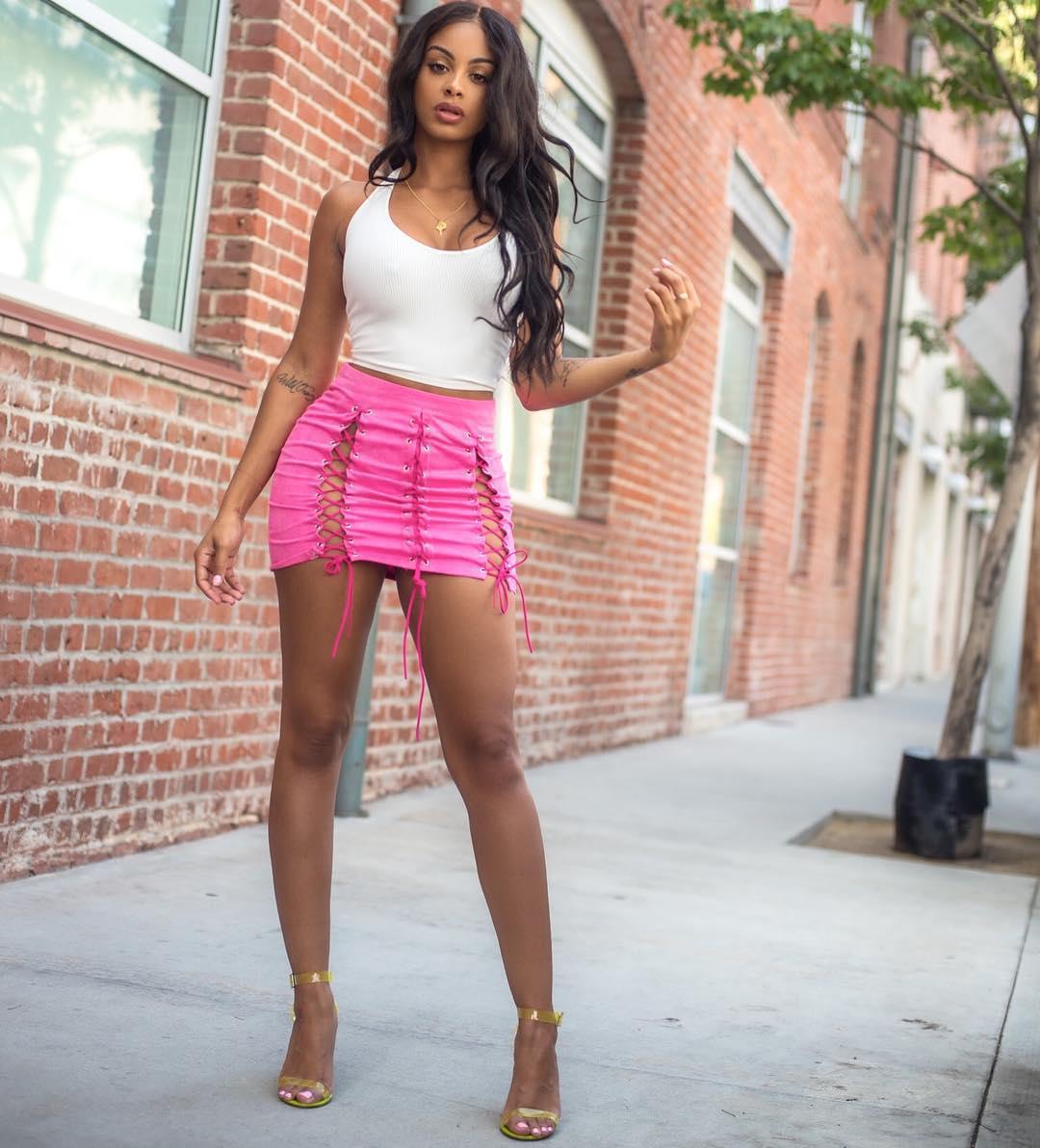 Ebony teen tightskirts