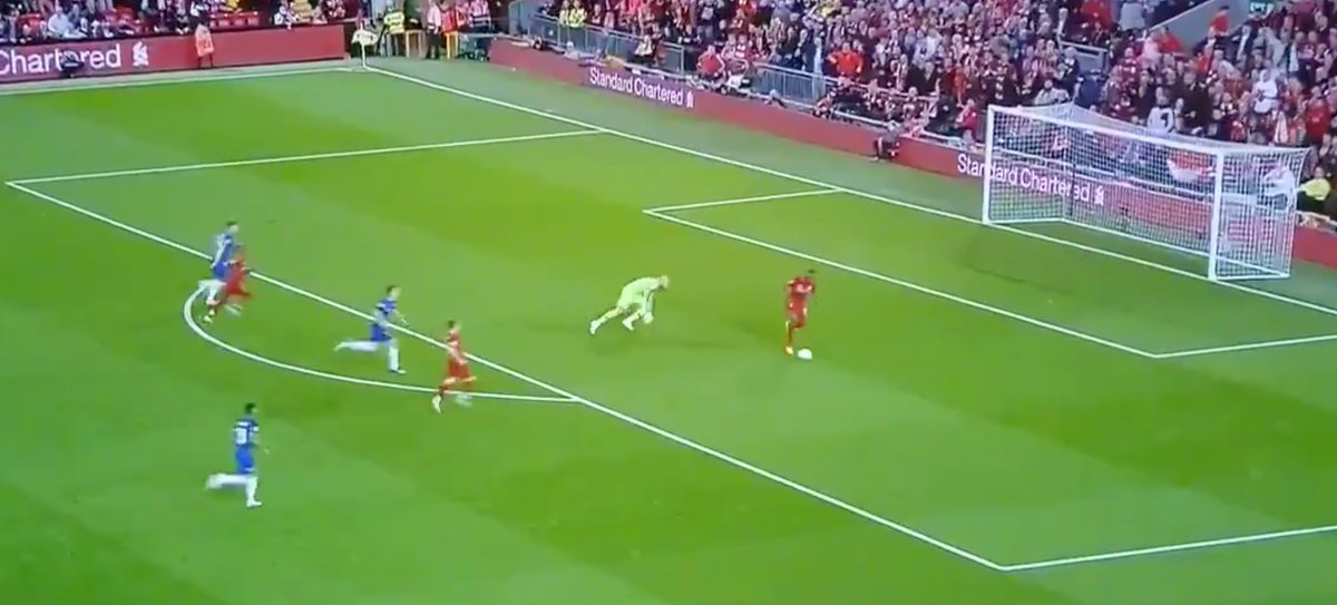 😱 How do I explain to my kids that Sturridge missed from here but scored from here... #LIVCHE  http://www.betclever.com