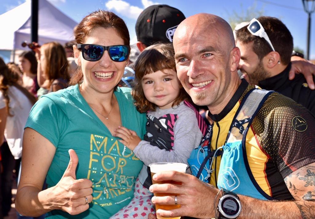 Familia y 🥉 en la maratón de @UltraPirineu, sólo faltó Emma en la foto... para la siguiente!! @LaSportivaSpain @CamperCover @Epaplus1 @UDSpain @barcelonabeer