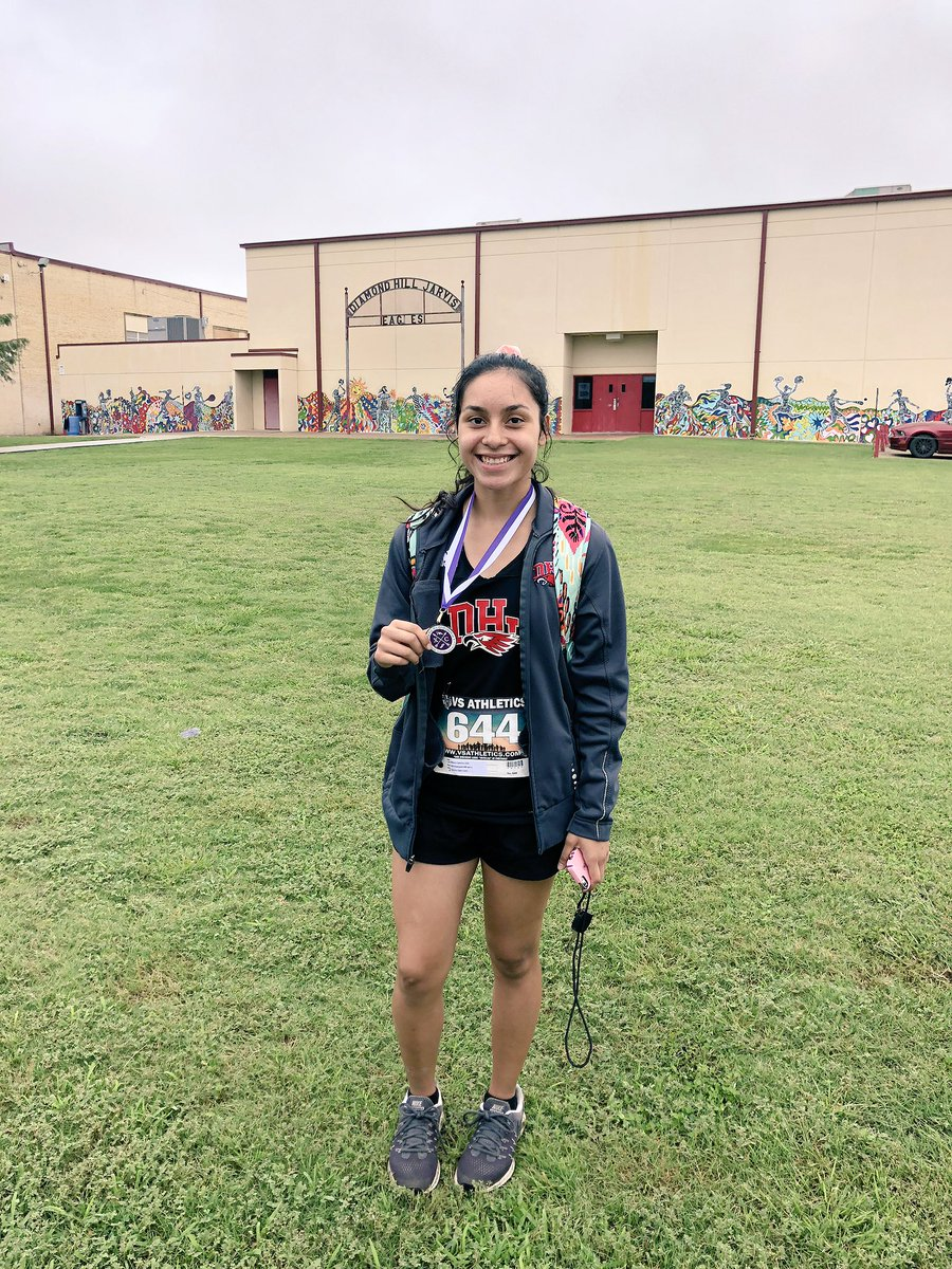 Mayra added to her medal collection today! 😁🏅 #Top20 and new PRs for the rest 😁