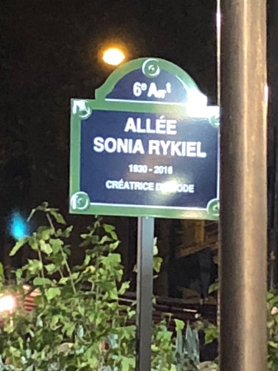 Sonia Rykiel becomes the first designer to have a Parisian street named in her honor #PFW