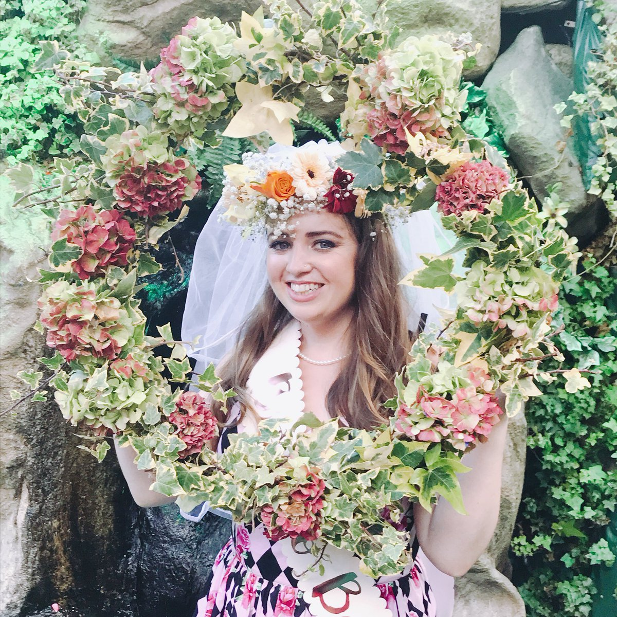 Flowercrown hashtag on twitter 1 reply 2 retweets 7 likes izmirmasajfo