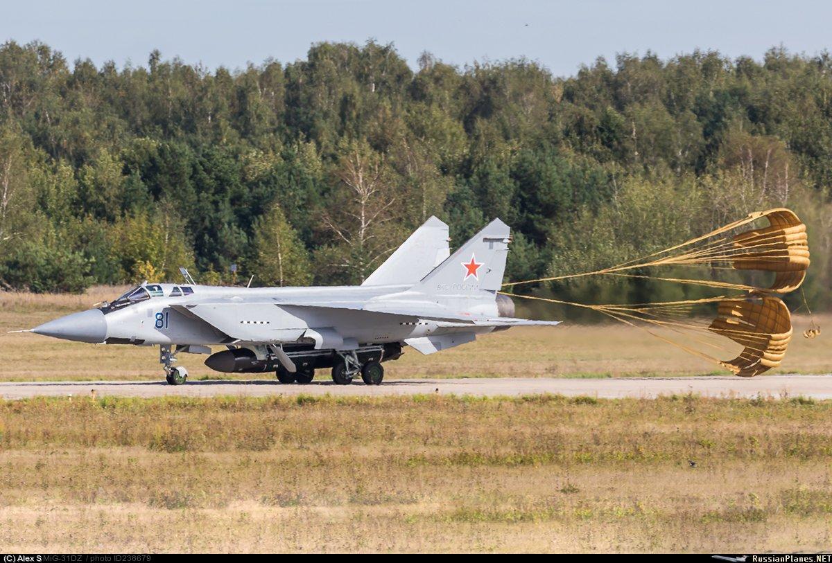 صاروخ بسرعه 10 ماخ لن ينقذ مستقبل الطائرات الشبحيه الروسيه الكئيب  DoSBwswXcAAoL6w