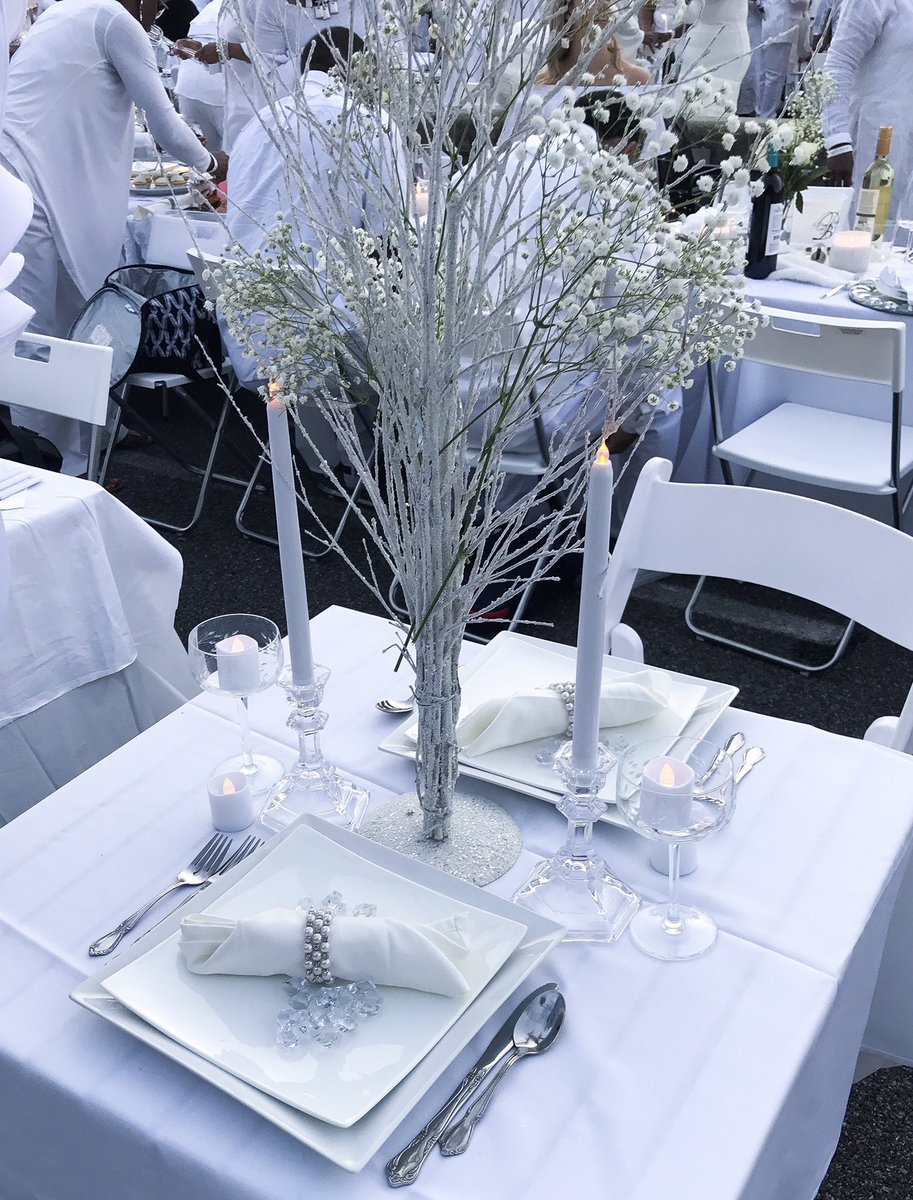 Chrissie On Twitter Our Table Arrangement For Le Diner En Blanc We Were Supposed To Have White Roses In The Centerpiece But They Wilted I Love Decorating Deb2018 Https T Co 5650cktyzt