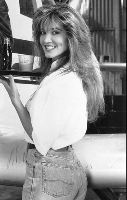 Happy Birthday to Crystal Bernard who turns 57 today!