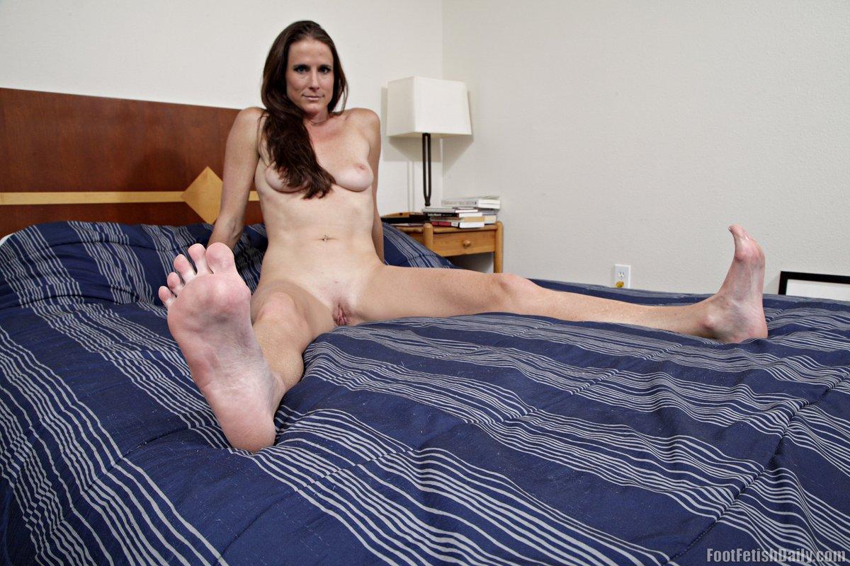 Sofie Marie's Feet Wikifeet