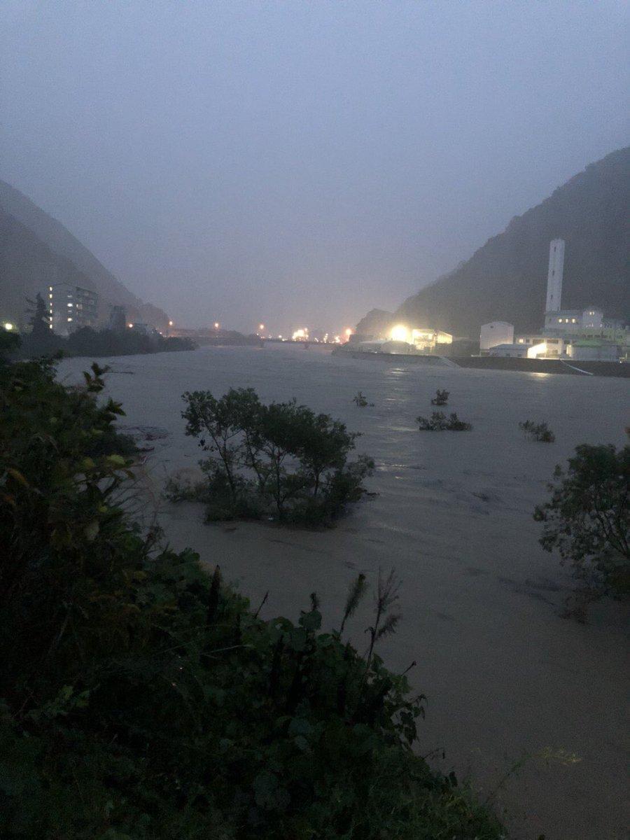 高梁川が氾濫し国道が冠水する前の画像