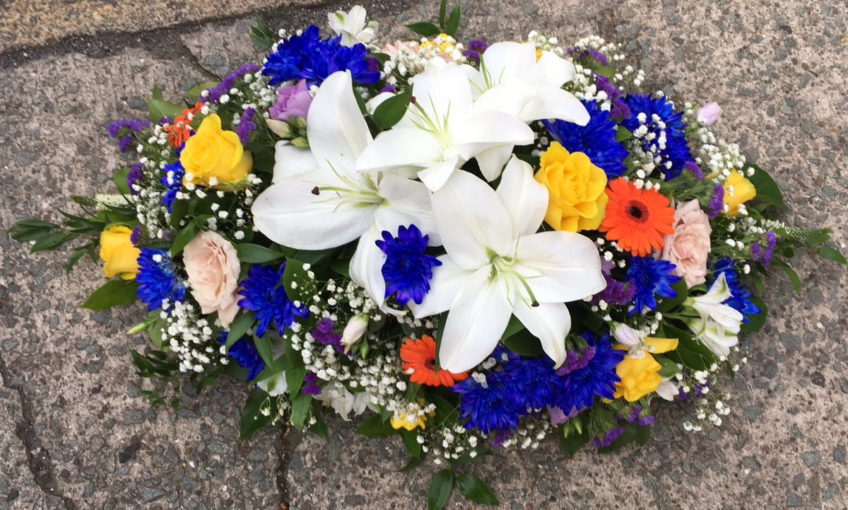 Bouquet Boutique On Twitter I Make Lots Of Funeral Flowers Each 1