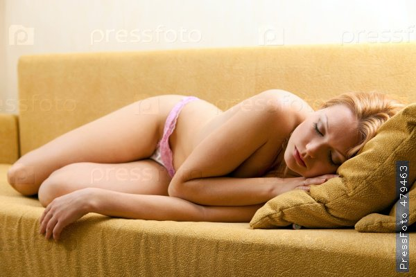 время бракосочетания, спит на раскоряк домой, понял что