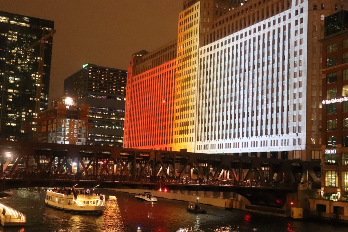 chicagoskyline photos and hastag
