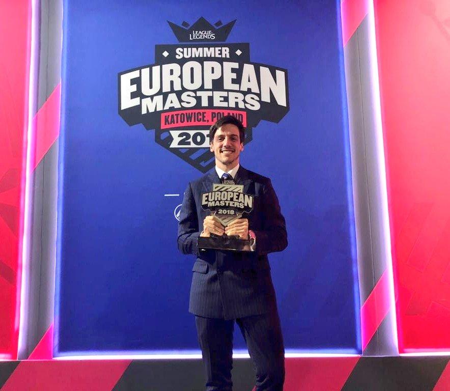 Araneae sosteniendo el título de European Masters 2018 (verano)