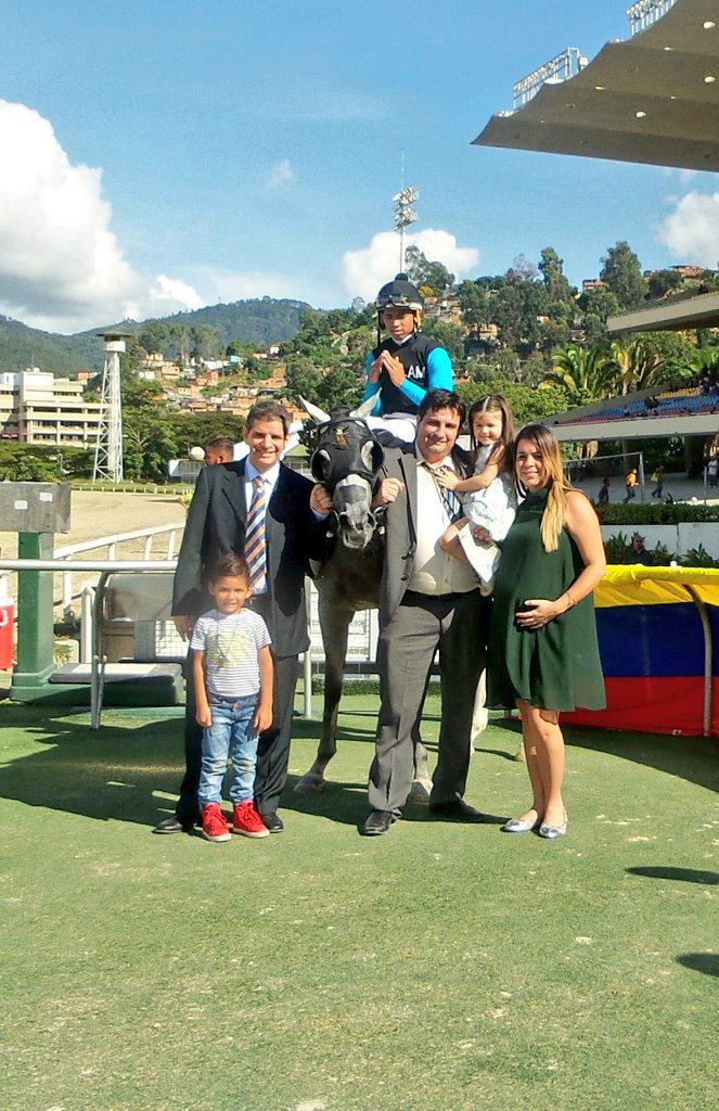 VENEZUELA SIGUE EL ARRASE EN NUESTRA SUSCRIPCION HIPICA AFILIATE CON TIEMPO!!! DoXfyvmWsAE-p1P