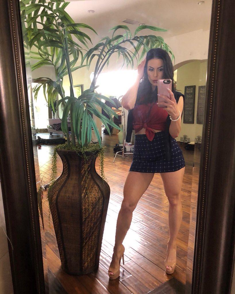 Kendra Lust  - from yesterd selfie lustarmy twitter @KendraLust