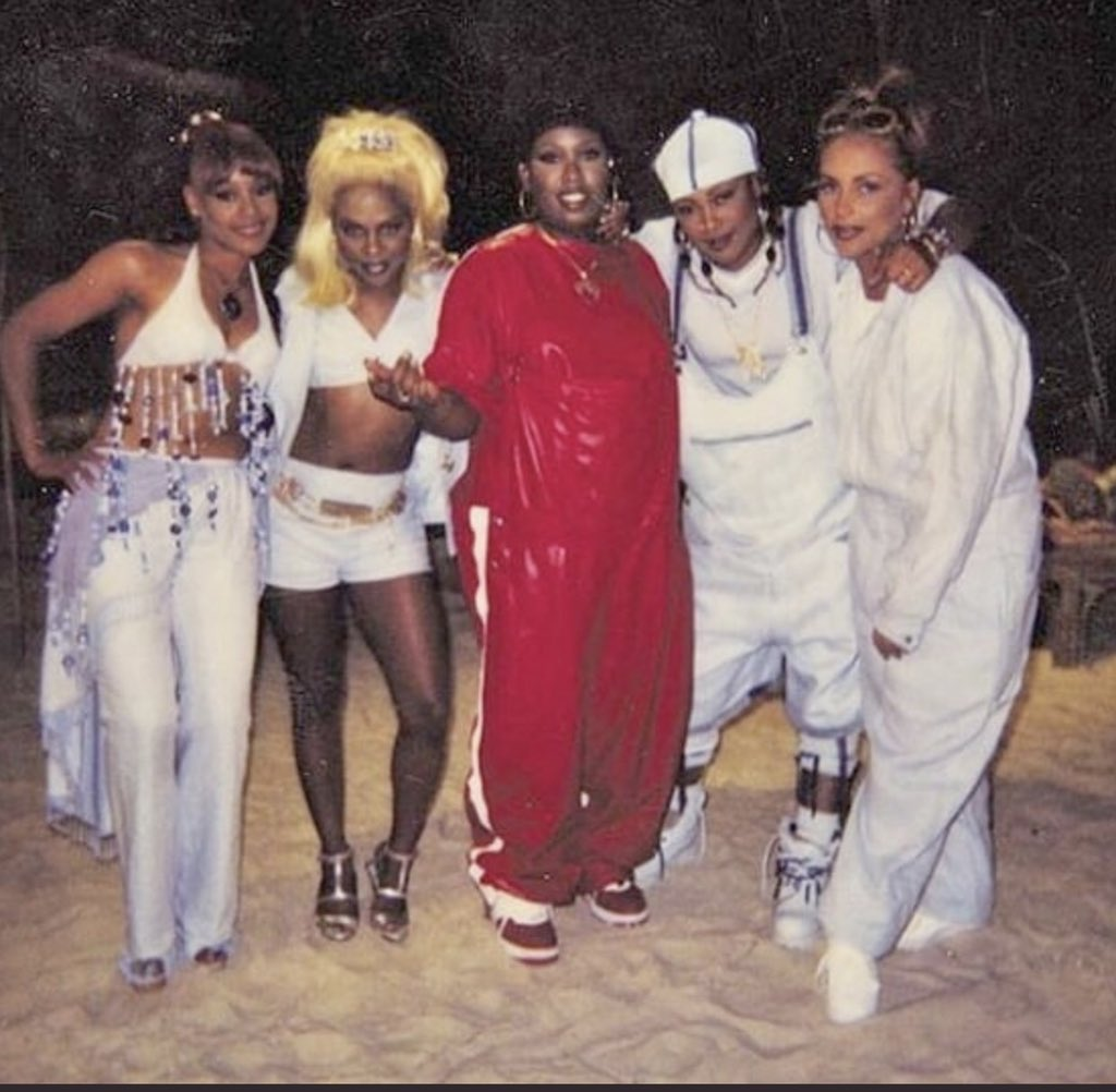 "Missy Elliott on Twitter: ""One of my best memories I'll NEVER forget this  day so much FUN & LOVE & LAUGHTER sistahood🤗@OfficialTLC @LilKim @sosobrat  @angiemartinez RIP #LeftEye we miss you SO SO"