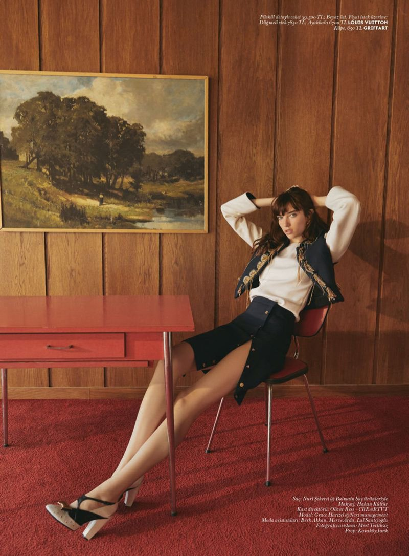 Grace Hartzel Wears Modern Retro Styles Vogue Turkey Grace