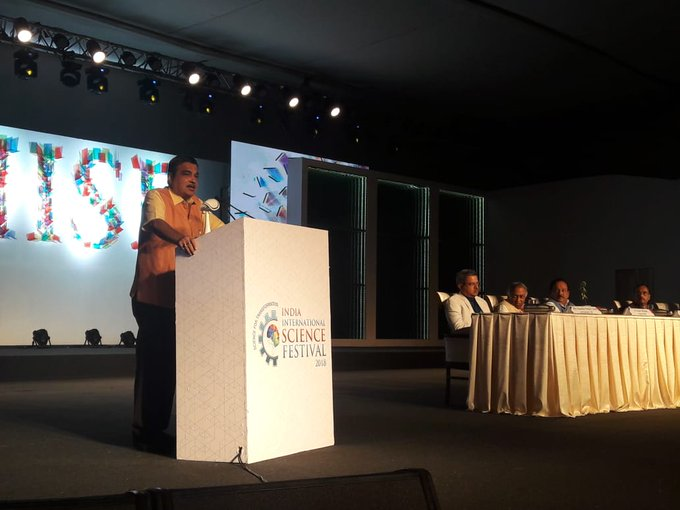 Addressed India International Science Festival 2018 in Lucknow. I emphasized on need for communication and coordination among state governments, central government and education institutions for encouraging research and innovation in science and technology. Photo