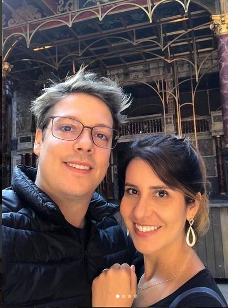 f903a126a10 Fábio Porchat viaja para encontrar a mulher em Londres após romper contrato  na TV. https