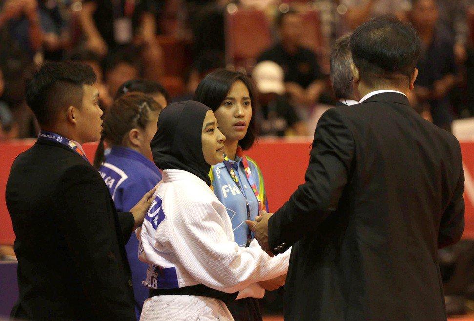 atlet-judo-indonesia-kena-diskualifikasi-karena-jilbab-di-asian-para-games-2018
