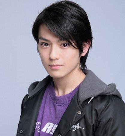 "check-it en Twitter: ""前田郷敦の兄は新田真剣佑でイケメン?wiki ..."