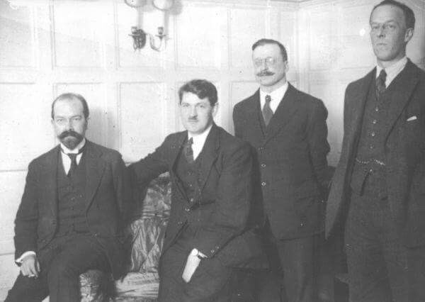 Collins and the other plenipotentiaries in London.