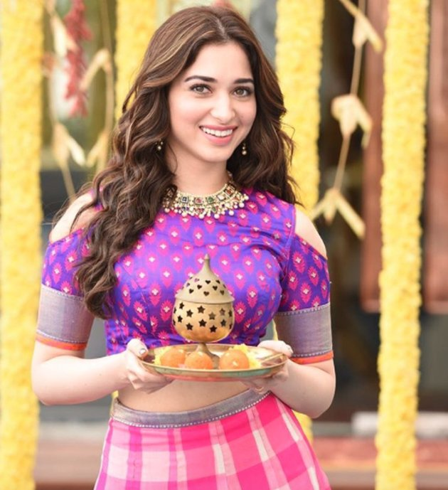 Tamannaah setting the heat!