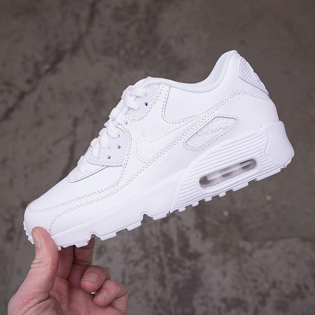 new style 613cb 02446 ... Air Max 90 i strolekarna 35,5-40. Klicka dig vidare till  http   zpr.io n6xYN för att säkra ditt par.  airmax90  footish •• Link i  bio •  sneakers  skor ...