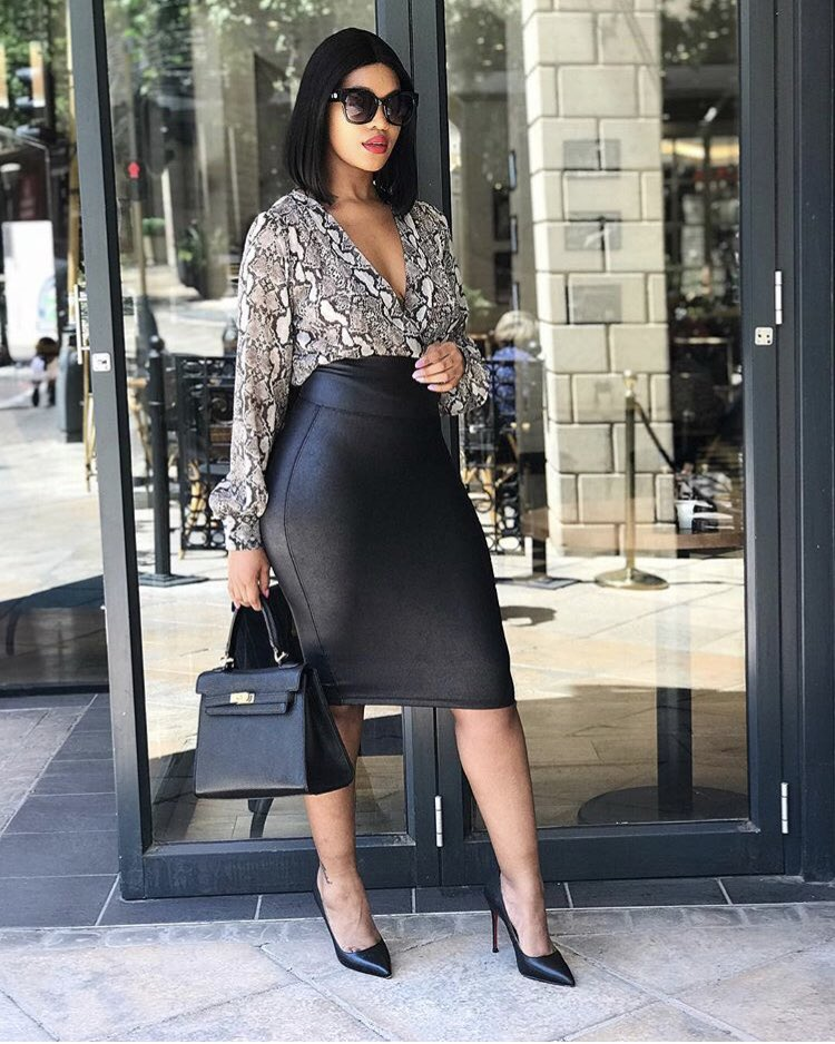019dda3660e27 The perfect skirt for work and play! nonkululeko_mthimkulu shows us how to  style her @