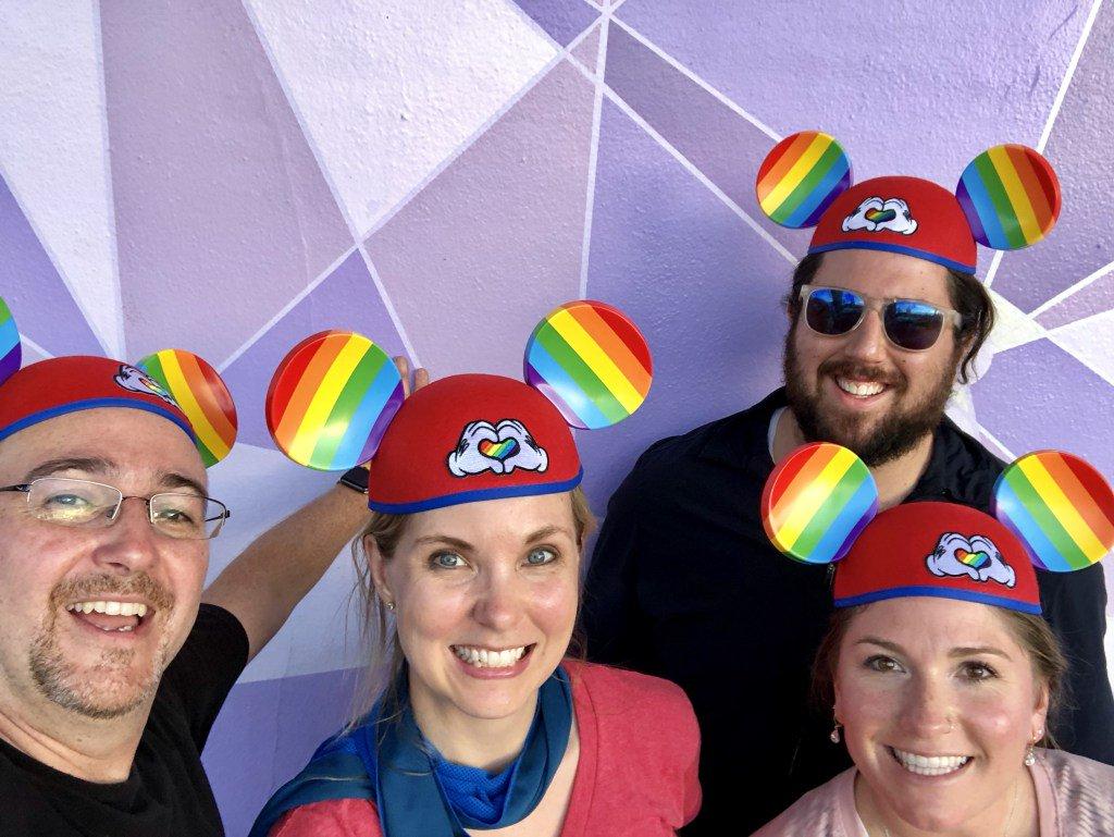 Walt disney world to close theme parks through end of month