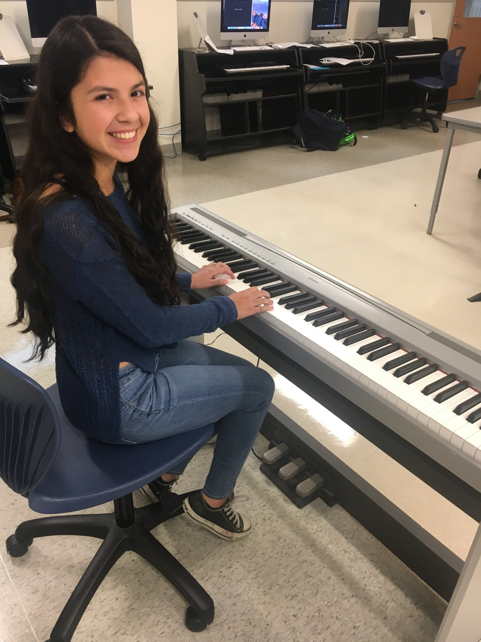 Reloaded twaddle – RT @MethuenArts: Methuen Fine Arts Student of the Week! MHS! Mia Torres is our i...